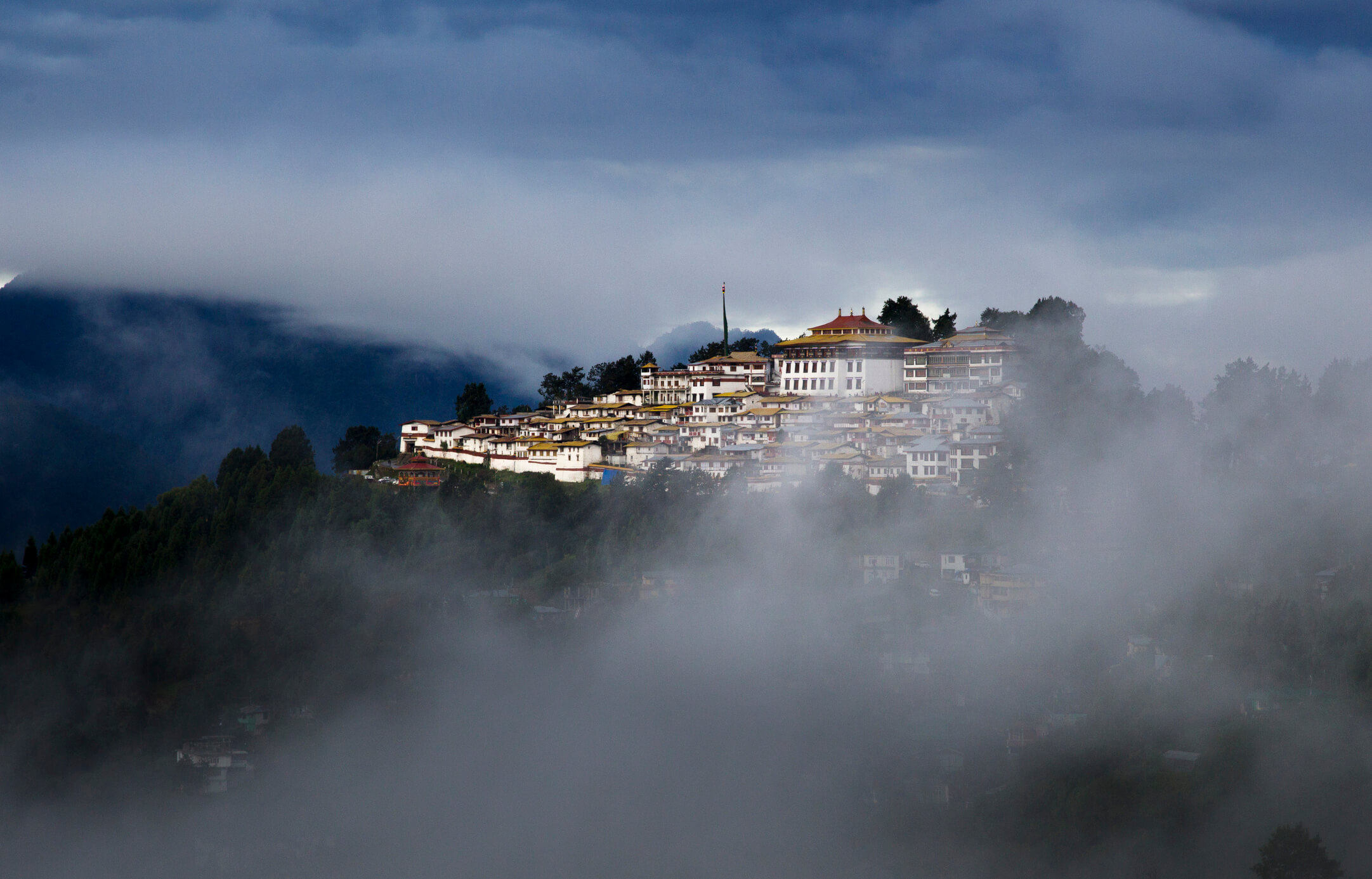 Explore the Beauty of Tawang City