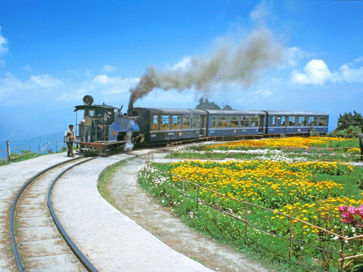 Explore the Enchanting Darjeeling
