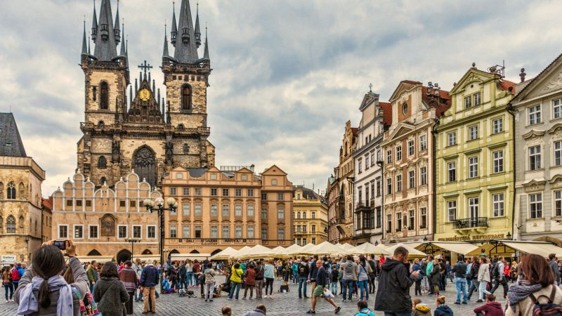 Explore the Breath-taking City of Prague